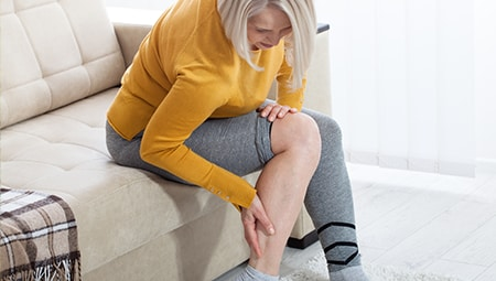 Article Image: 6-at-home-remedies-for-restless-leg-syndrome